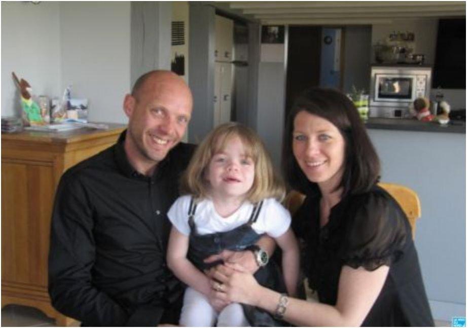 Maladie de sanfilippo pour sauver leur fille d une maladie rare des parents d eecke lancent - Damien thevenot ses parents ...